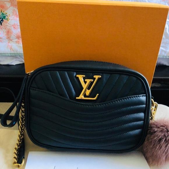 Louis Vuitton Handbags - Louis Vuitton camera bag
